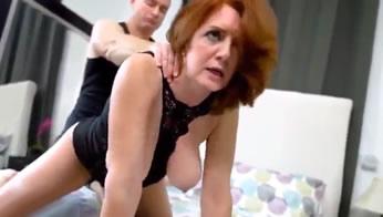 Madre hace una locura sexual y cobra a su hijo por follar